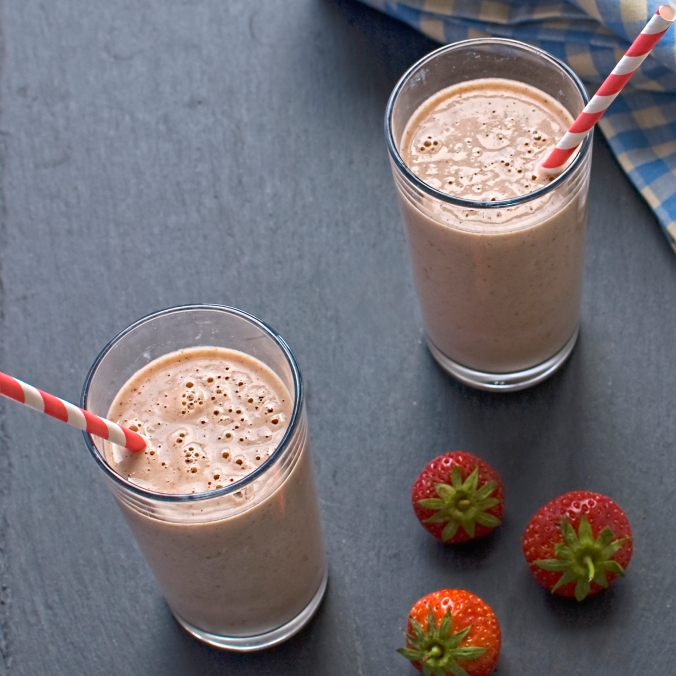 strawberry, tarragon and lime smoothie