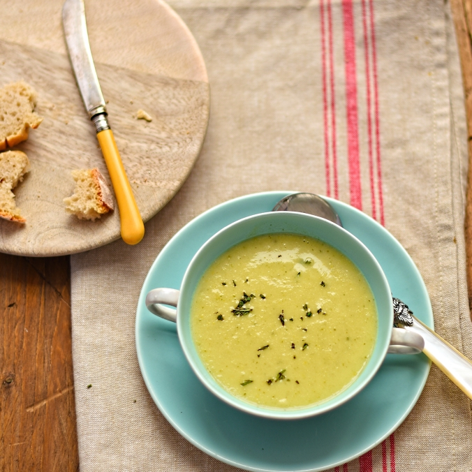 scallopini soup with garlic and mint