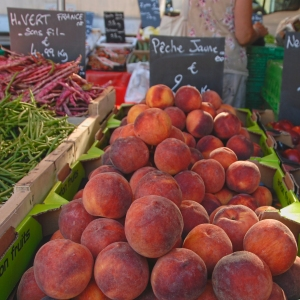peaches in Provence