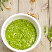spinach-walnut-and-rosemary-pesto