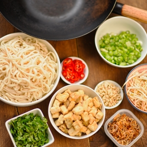 mise en place ingredients for Pad Thai