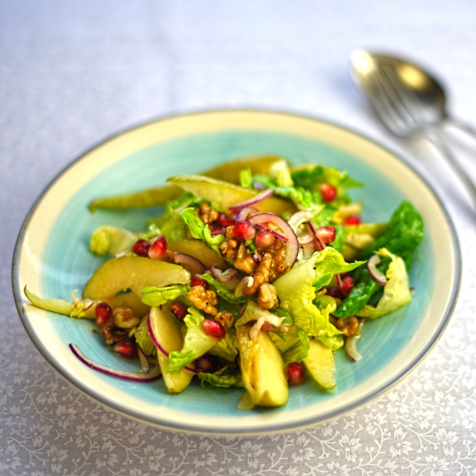 pear, pomegranate and walnut salad