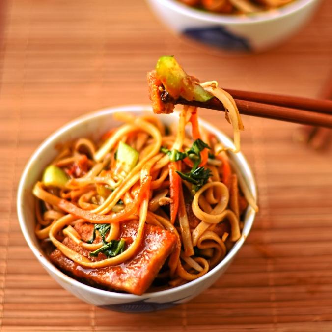 vegetarian-chow-mein