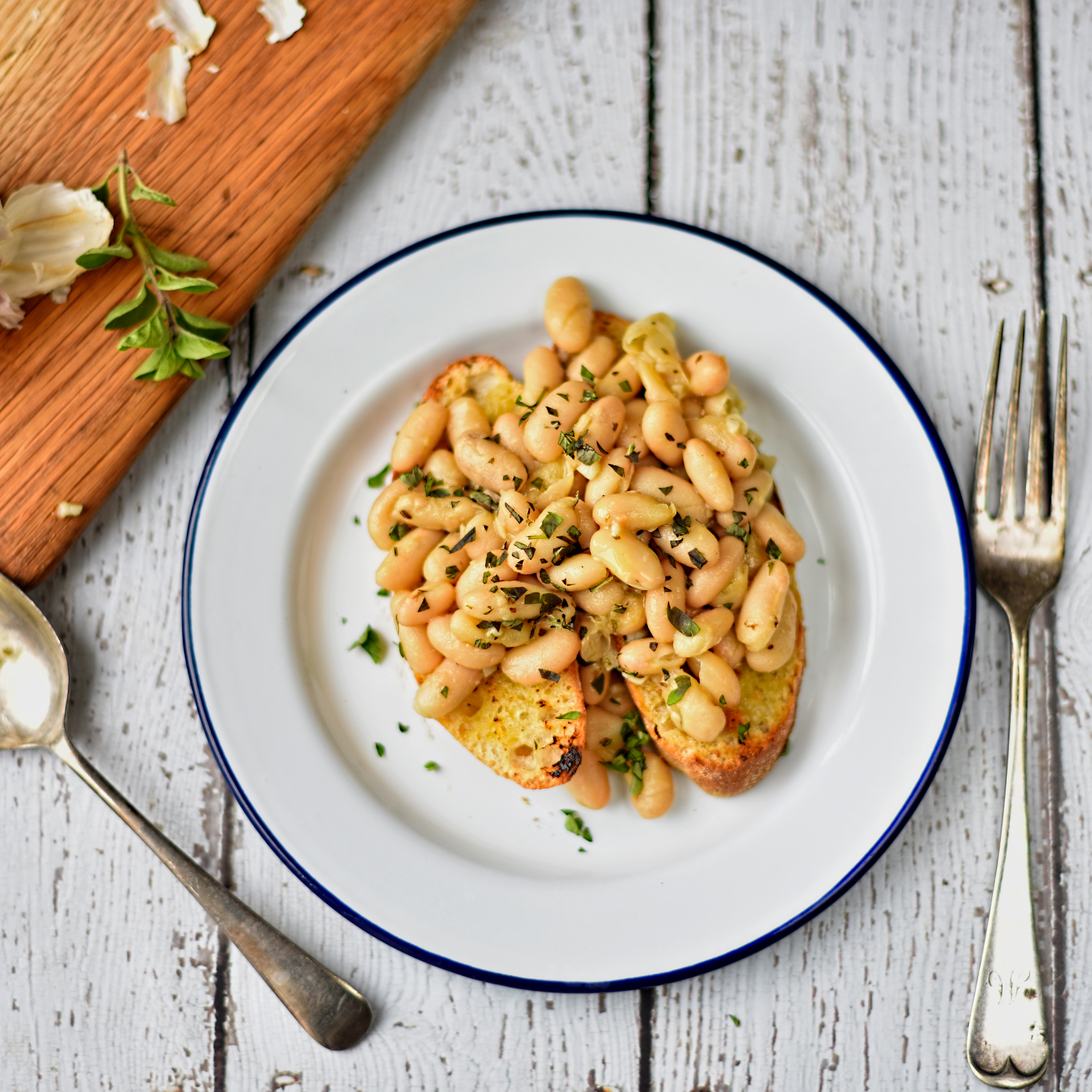 Gardeners Kitchen Cannellini Beans With Garlic And Oregano The Circus Gardeners